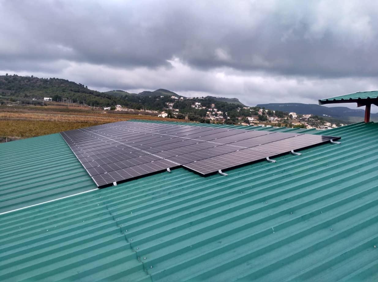 Instal·lació fotovoltaica a Làctics Foix