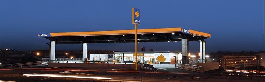 La gasolinera amb instal·lació fotovoltaica de Meroil, a La Vanguardia